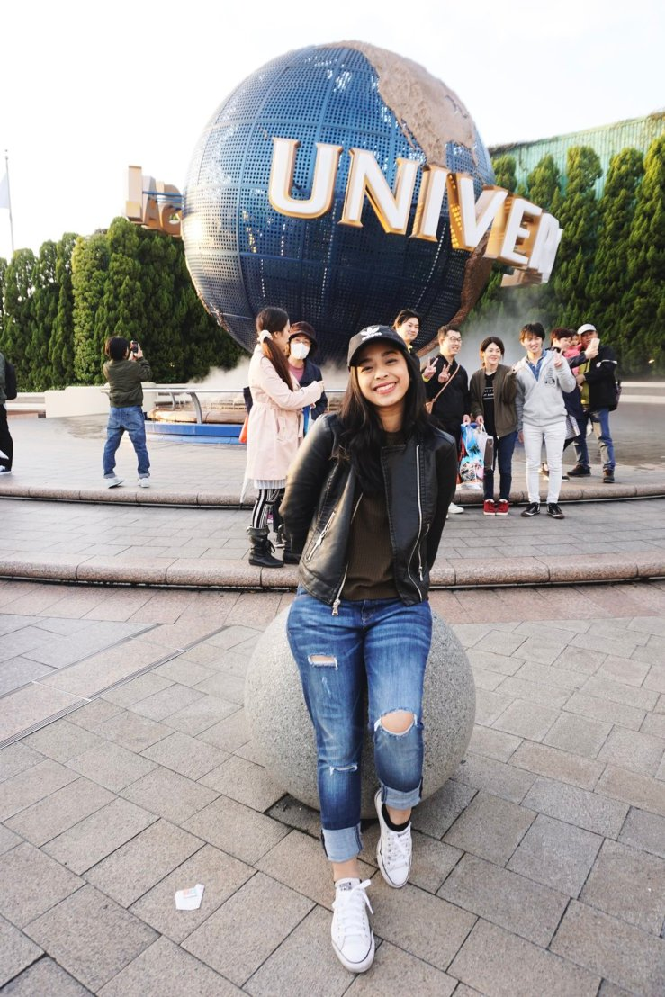 On the second day, we headed to Universal Studios Japan in Osaka. Some of the rides here were crazy. There was a rollercoaster where your feet were dangling and you're suspended in the air totally on your stomach. It definitely messed up my stomach lol