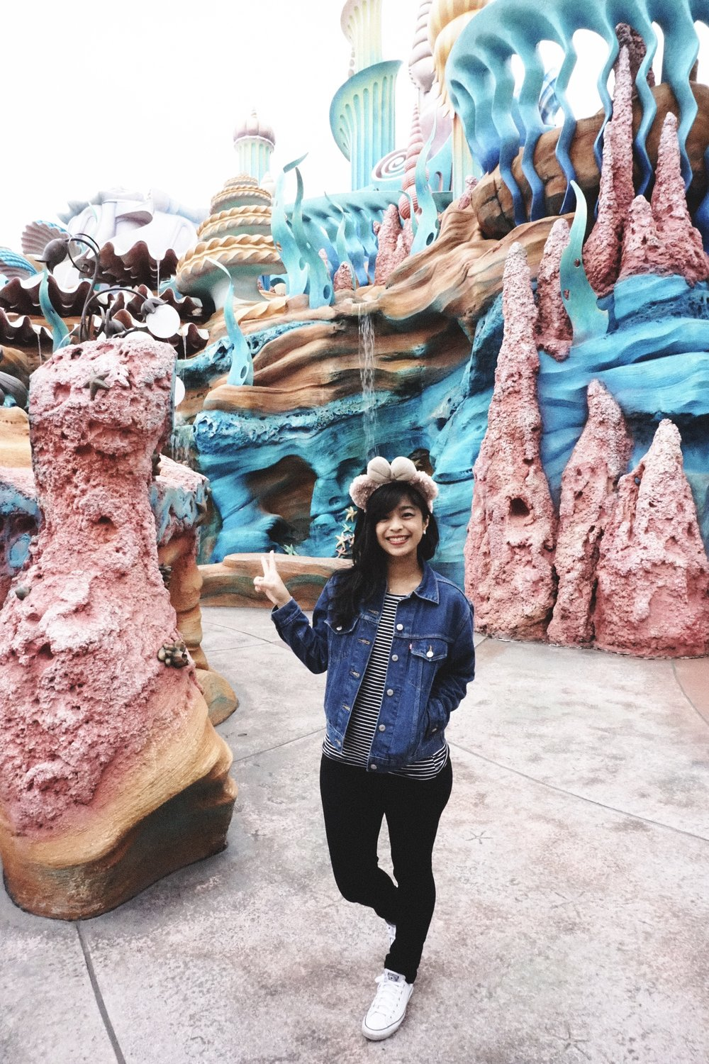 Ugh, I loved Mermaid Lagoon so much. Look at the colors! I had Jay take so many pictures of me here heh.